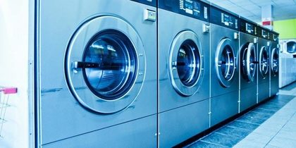 Europa produce 13.000 toneladas de microfibras al año procedentes de los lavados en el hogar