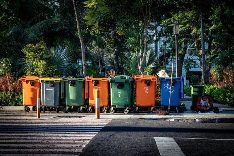 Valencia: Arranca la reubicación de 3.200 contenedores para mejorar el reciclaje en la ciudad