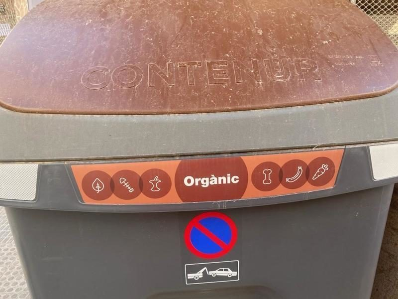 Castellón: Entran en servicio los contenedores marrones para residuos orgánicos