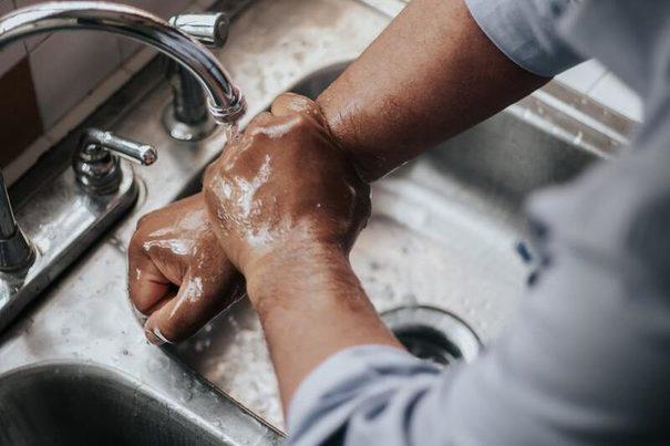 Lavado de manos, el desafío a largo plazo para un mundo sin seguridad hídrica