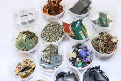 Basura electrónica, el problema que no cesa: más de 7 kilos por habitante del planeta al año