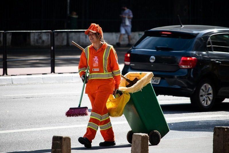 Granada: Trámites pendientes impedirán cumplir los plazos del contrato para la recogida de basura