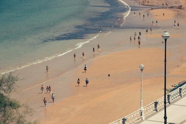 País Vasco: Recogidas más de 100 toneladas de basura de las playas de San Sebastián este verano