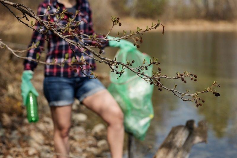 Cádiz: Recogidas más de 10.000 toneladas de residuos en la playa de Poniente, en La Línea