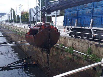 Galicia: Retiradas más de 9 toneladas de residuos del fondo marino en la dársena del Puerto de Vigo