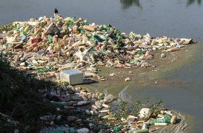 Cataluña: Recogidos 450 kilos de basura en el río Francolí, en Tarragona