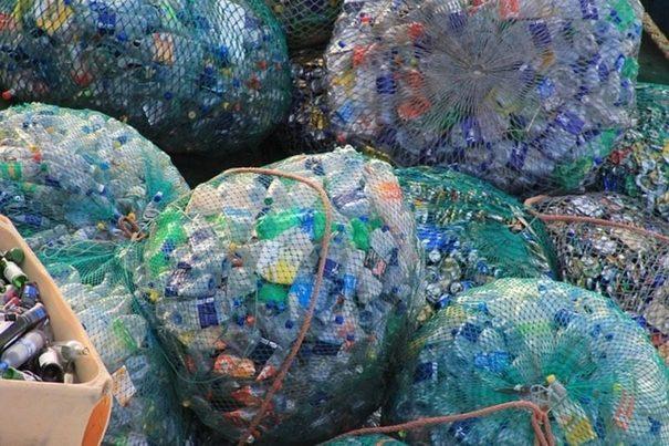 EuPC y PlasticsEurope avanzan hacia el objetivo de cero pérdidas de granza de plástico