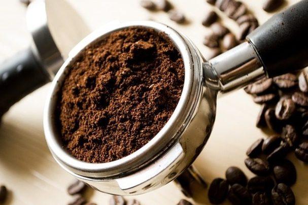 Un proyecto investiga el potencial de los posos de café como ingrediente alimenticio para ganado