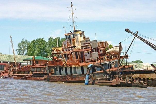 Un 70% de los barcos en desuso terminan abandonados en playas del sur de Asia