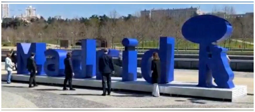 Madrid: Inaugurado un monumento al reciclaje realizado con vidrio reciclado