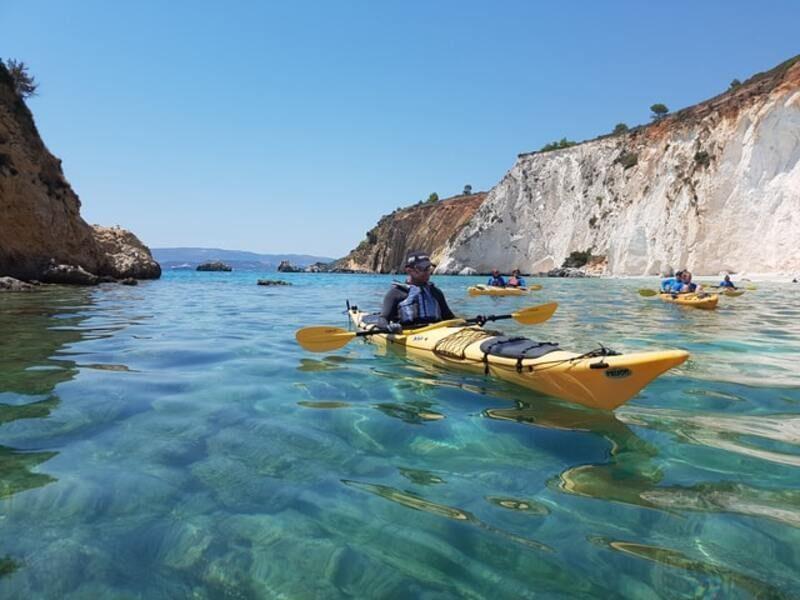 """""""Plogging"""" desde el agua: recoger basura en kayak"""