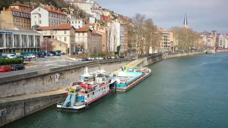 Francia: El primer centro fluvial y efímero de recogida de residuos funciona en Lyon