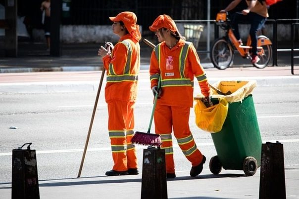 La patronal de los servicios urbanos de limpieza reclama fondos europeos para mejorar el reciclaje