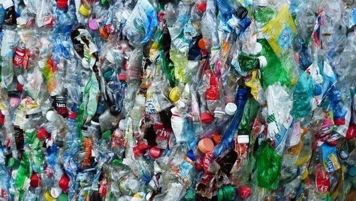 EuPC pide más reciclaje de plástico ante la creciente escasez de materias primas