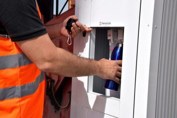 Valencia: El Puerto eliminará las botellas de plástico para abastecer de agua a su personal