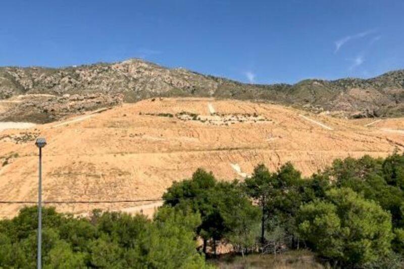 Murcia: Finalizan las obras de sellado del vertedero de Abanilla, compartido con la Comunidad Valenciana