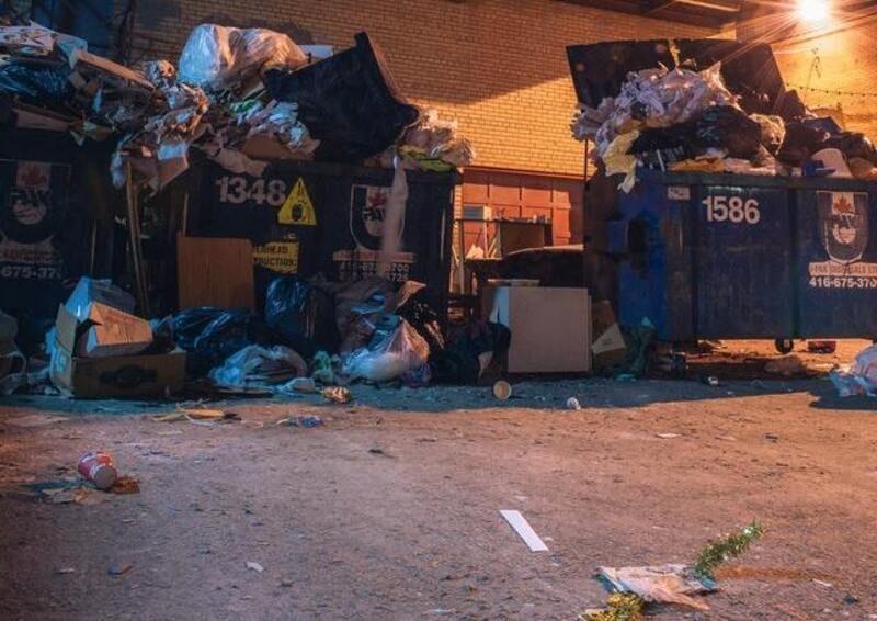 Una activista consigue miles de visitas con vídeos sobre exceso de desperdicios de las tiendas de Nueva York