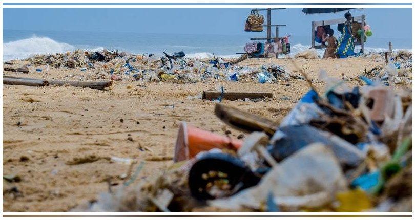 España busca un acuerdo global para enfrentar el problema de la contaminación por plásticos