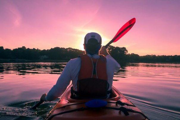 El turismo también puede ser responsable: viajes en kayak para limpiar desechos