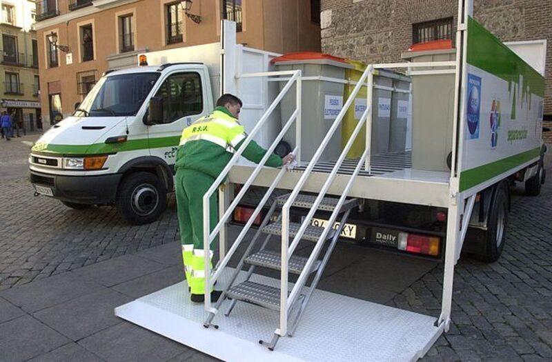 Castilla y León: Burgos estrena un nuevo punto limpio móvil