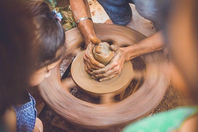 Proponen un innovador sistema para reaprovechar los lodos de la industria papelera en la fabricación de cerámica