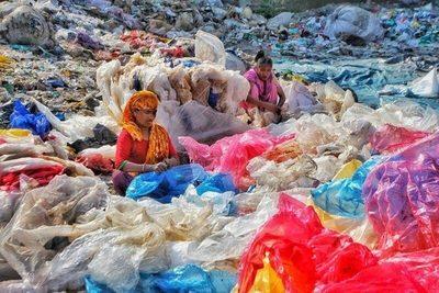 Indonesia dedica un museo al aire libre a concienciar sobre el impacto de la basura plástica